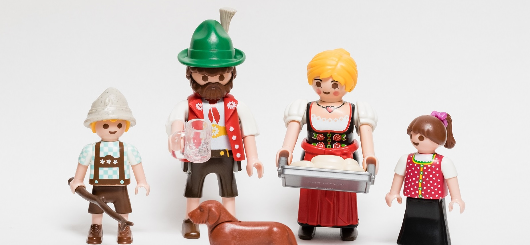 playmobil-trachtenfamilie-von-armin